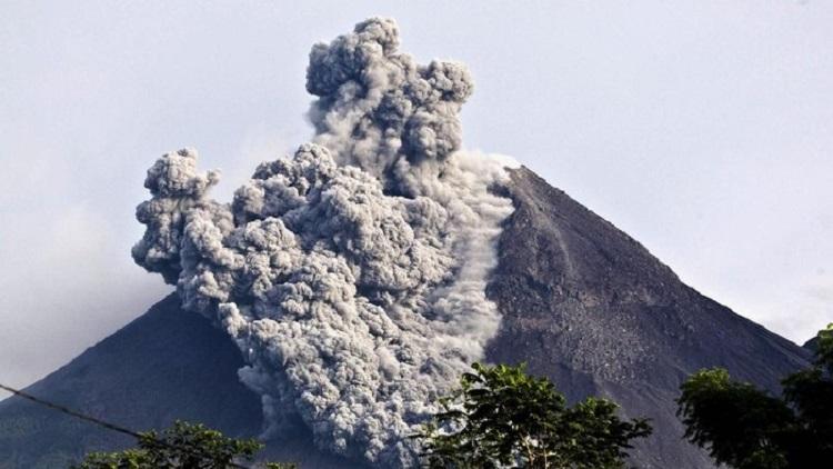 Ilustrasi gunung merapi erupsi, Sumber : news.detik.com
