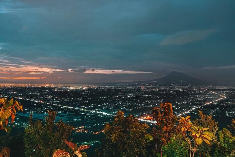 Pemandangan dari Heha Sky View, Sumber : Ig @hehaskyview