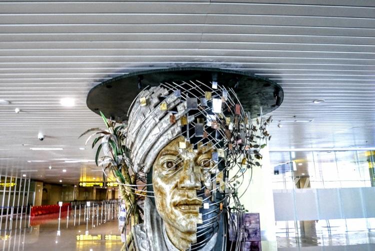 Salah satu karya seni di bandara YIA, Sumber : republika.co.id