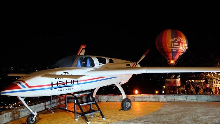 Spot foto pesawat, Sumber : tripadvisor.com